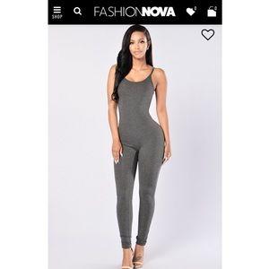 Fashion Nova Jumpsuit in color Charcoal Grey